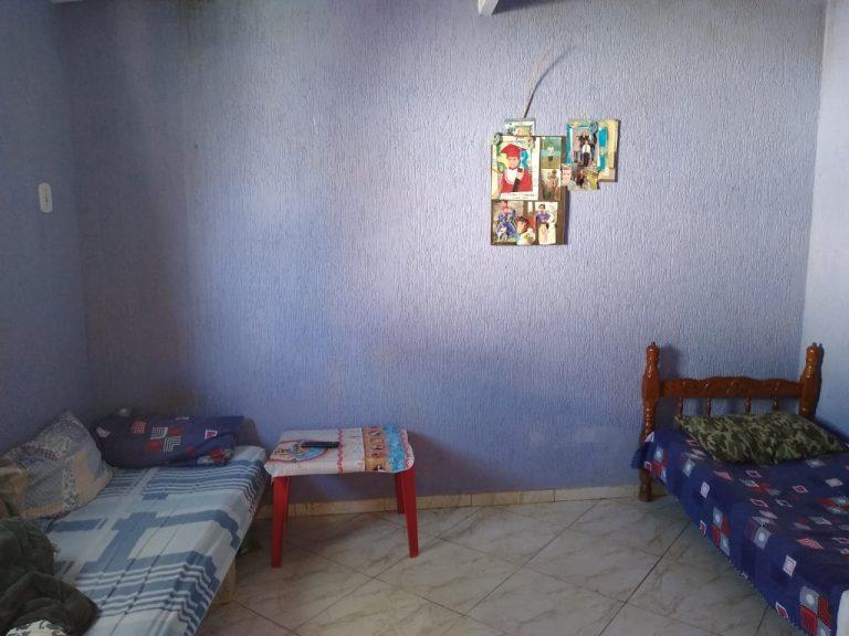 3 Casas no centro de Biritiba Mirim